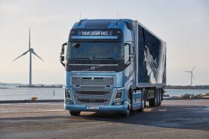 Vízimádó kamionosoknak kedveskedik a Volvo