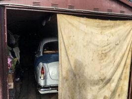Vajon hány garázsban pihen még ilyen makulátlan veterán, mint ez a Volga?