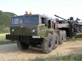 Nap hirdetése: honvédségi tankszállító 20,5 millióért