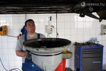 Ennyi olajat fogyasztanak a magyar autósok