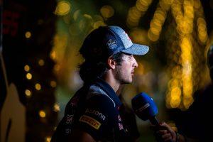 F1: A Red Bull kicsinálja Sainz karrierjét?