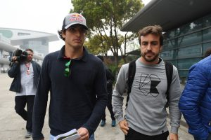 F1: Alonso a McLarent ajánlja Sainznak