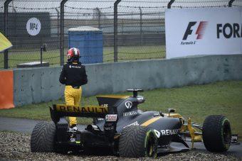F1: Így akadt el a Renault Sanghajban - videó