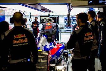 F1: Októberig váratják a Toro Rosso-pilótákat