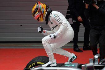 F1: Hamilton nyerte a Kínai Nagydíjat