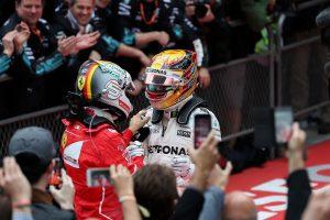 F1: Ebben veri Hamilton Vettelt, de nagyon