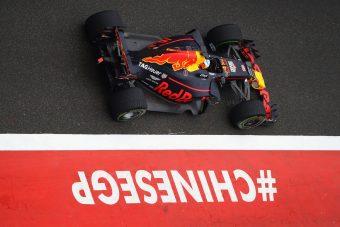 F1: Ilyen sunyin előzött Verstappen Kínában