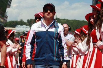 F1: Vettel a középső ujjával üzent Massának - videó