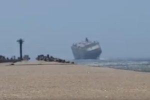 A hajó nem kicsi, de azért a szél az úr - egészen félelmetes