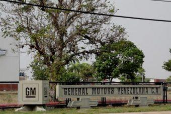 SMS-ben rúgta ki munkásait az államosított gyár