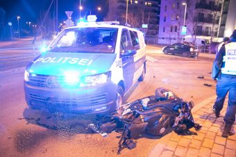 Elgázolta a rendőr a gyorshajtó motorost