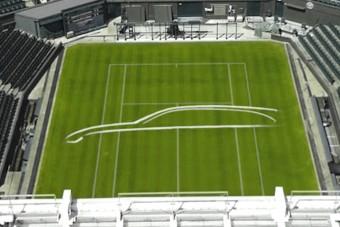 Teniszpályára skiccelték fel a luxuskombit