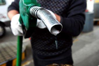 Át akar verni a benzinkutas?