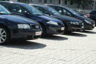 Kevesebben vesznek import használt autót