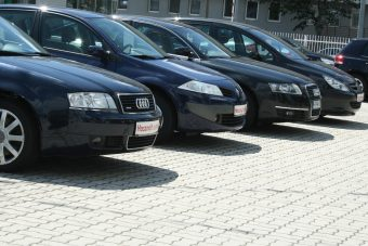 A magyaroknak csak a levetett külföldi autó a jó