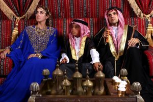 Arab uralkodónak öltözött Felipe Massa