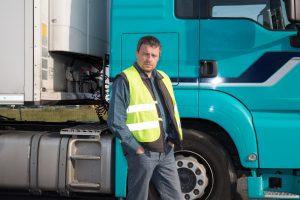 Kipakol egy kamionsofőr, ezért hagyja ott a pályát