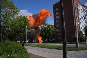 Fotókon a Pécsen felrobbant Wartburg