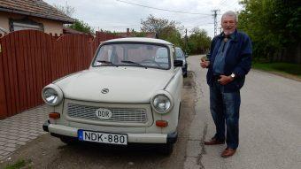 Megérkezett az NDK-s rendszám, ezért vett egy Trabantot
