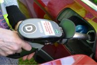 Ingyen üzemanyagot tankolhatnak a Scania alkalmazottai