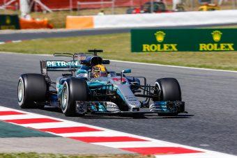 F1: Röpködtek az alkatrészek, Hamilton duplázott