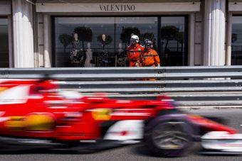 F1: Vettel az élen, összeomlott a Mercedes