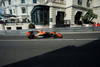 F1: Button öt kanyar után vigyorgott