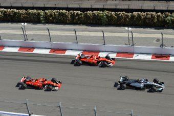 F1: A Mercedesnél kimondták, hogy a Ferrari előttük jár