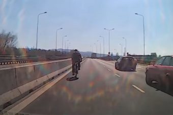 M0-hoz hasonló úton tekert az öngyilkos jelölt bringás a belső sávban
