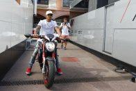 F1: Hamilton nem készül pszichikai hadviselésre