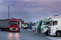 Németországban szállodába kényszerítik a sofőröket