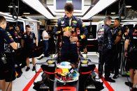 Hány darabból áll az F1-es munkaruha? – videó