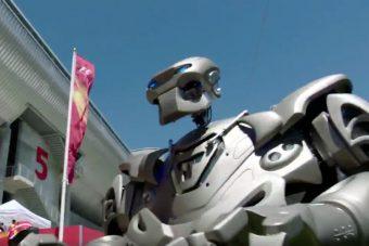 F1: Ilyet még nem láttál, itt a Vettel-robot