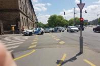 Rendőrautó karambolozott Budapesten – fotók