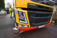 Sofőr nélkül gyűjti be a szemetet a Volvo kukásautója