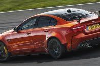 Négyajtós szupersportkocsit épít a Jaguar