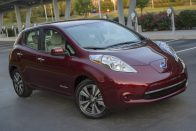 Ingyen benzint osztogat a Nissan