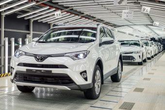 Masszív költségcsökkentés indul a Toyotánál
