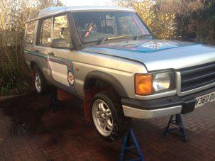 M3 motort dobni egy Land Roverbe igazán eszelős