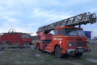 Megmaradnak az utókornak ezek az elfeledett öreg tűzoltóautók?
