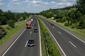 Veszélyes mutatvány az M3-as autópályán