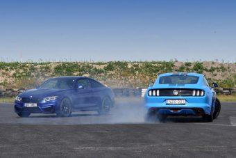 Ford Mustang a BMW M4 ellen