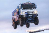 Így repül a brutális orosz kamion