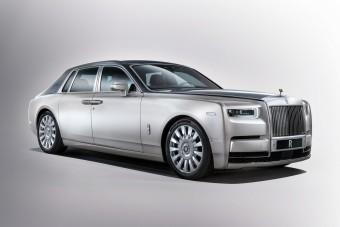 Kigördült a nép színe elé az új Rolls-Royce Phantom