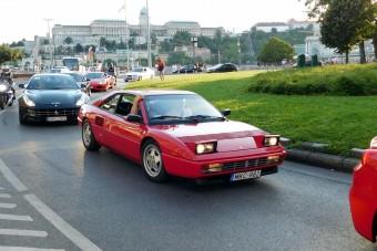 Kirajzottak a Ferrarik Budapesten
