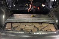 Százezer adag heroint találtak egy magyar autósnál