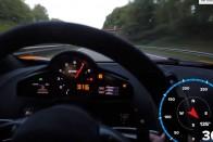 Ezért hajmeresztő hely a német autópálya, aki bír, az 300 felett tolja
