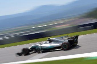 F1: Nem tudják betiltani a Mercedes trükkjét