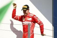 F1: Vettelnek valóra vált álom, hogy vezeti a vb-t