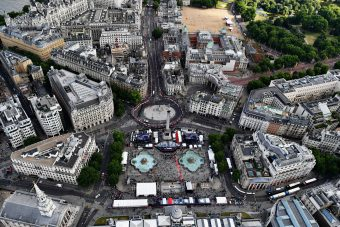 Ilyen volt a londoni Forma-1-es buli – videó